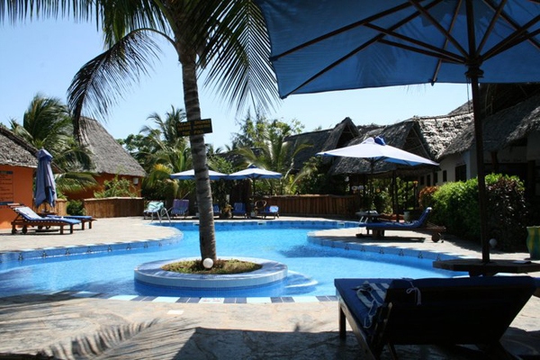Mnarani Beach Cottages pool in Nungwi